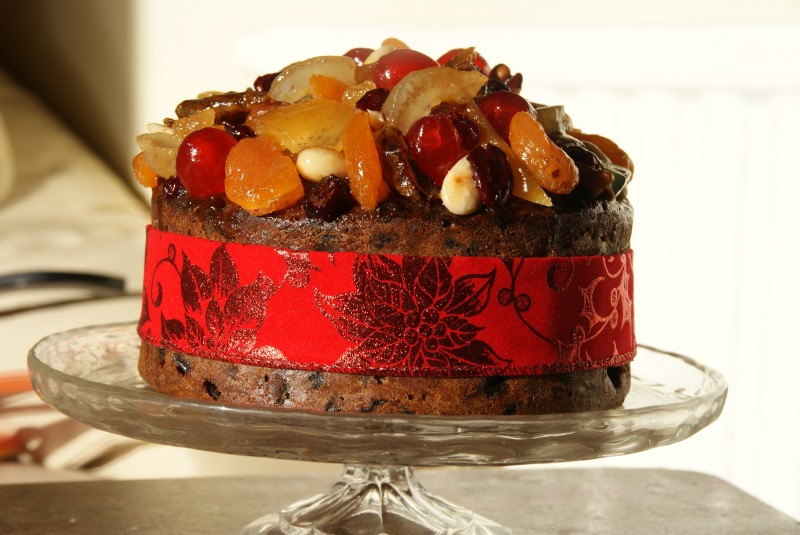 Glazed fruit christmas cake baking recipes and for Baking oranges for christmas decoration